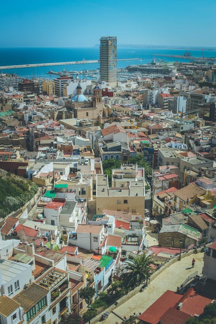Alicante - juantoledoj | ello
