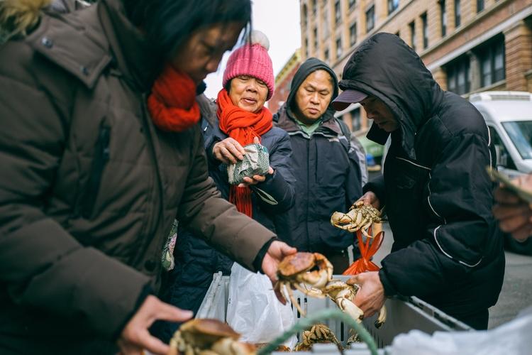 Crab Sales Chinatown, NYC - giseleduprez | ello