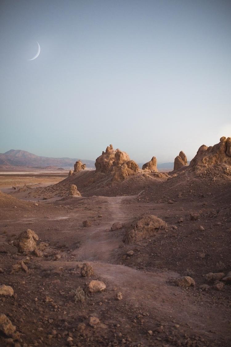 Martians Efrain Sahagun rock fo - efr0n | ello