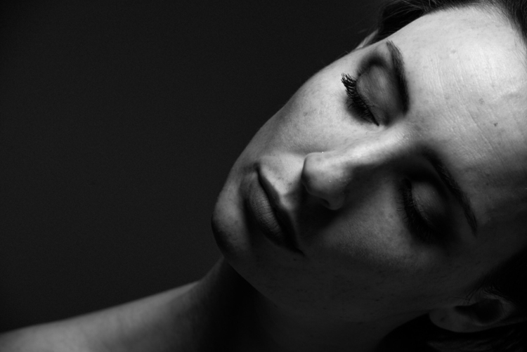 Relaxing Model - portrait, portraits - networkabstracted | ello