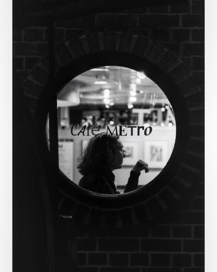 Madame, 2018 - streetphotography - iamraph | ello