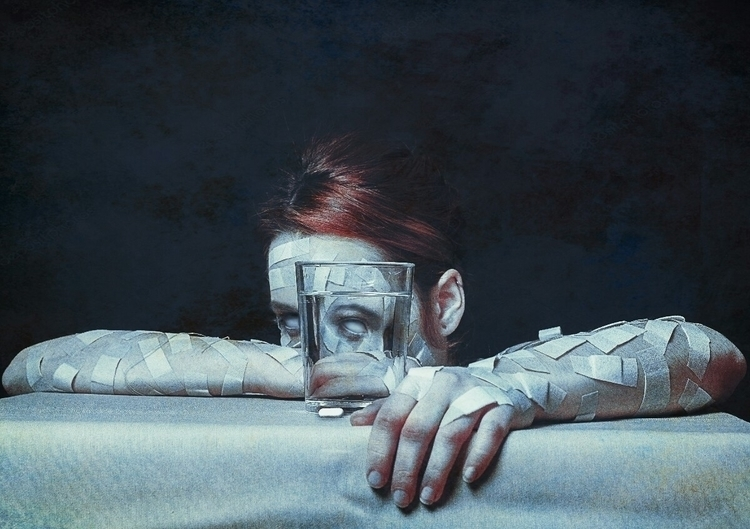 fibromialgia, project, selfportrait - ariadnaespada | ello