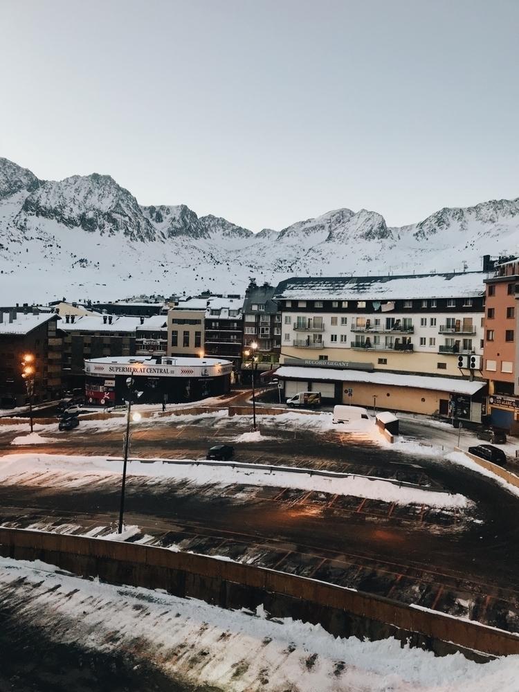 Andorra de mi anima - nabilablaze | ello