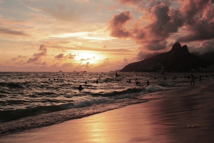 home - ipanema, riodejaneiro, sunset - mthxbz | ello