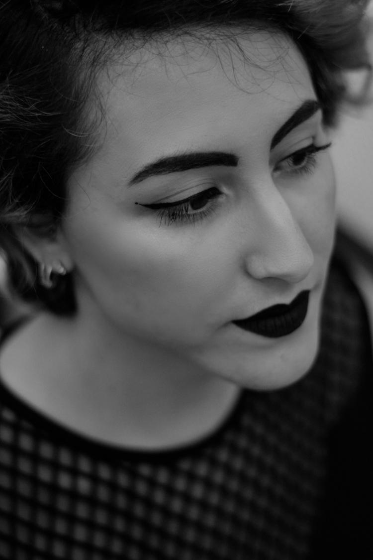 blackandwhite, portrait - entreblancosynegros | ello