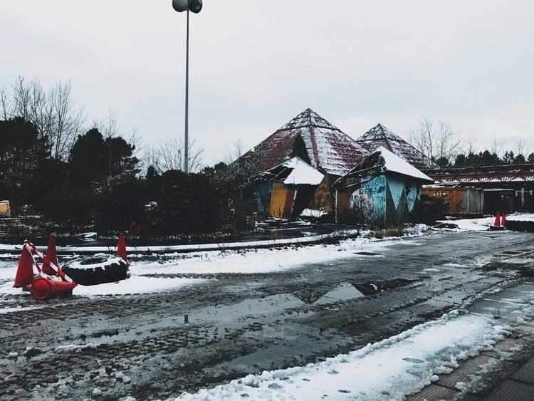 Abandonado (1990) demolido en e - slraquel | ello