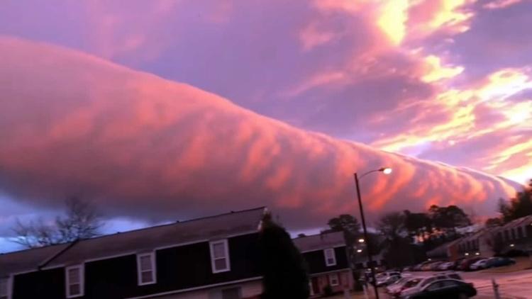 Una nube con forma de tubo sorp - codigooculto | ello