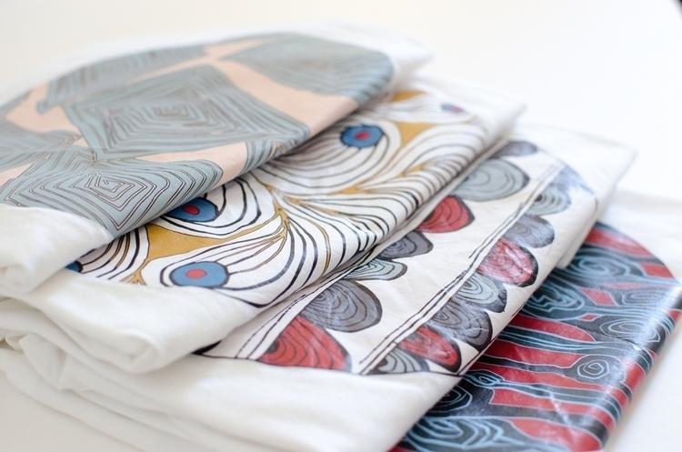 Check Tees :relaxed:️ - Tshirt, Pattern - jessicafleur | ello