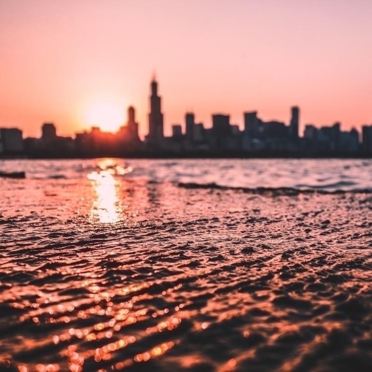 evening approaches, Chicago sky - alex_e_photo   ello