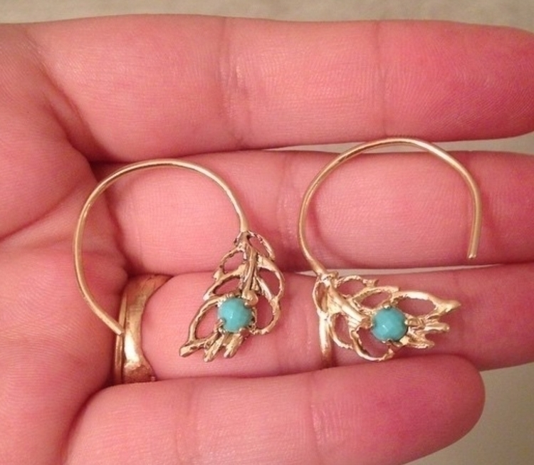Peacock Plume Earrings 10k yell - sammahsamalabam   ello