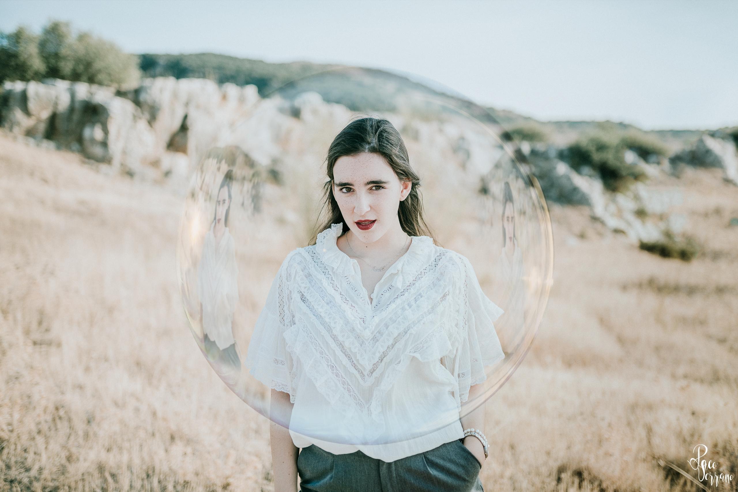 Adela - woman, portrait, girl, bubble - pacoserranofotografia | ello