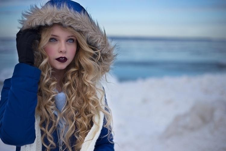 Glen Arbor, Michigan Model: Emi - carahartmann | ello
