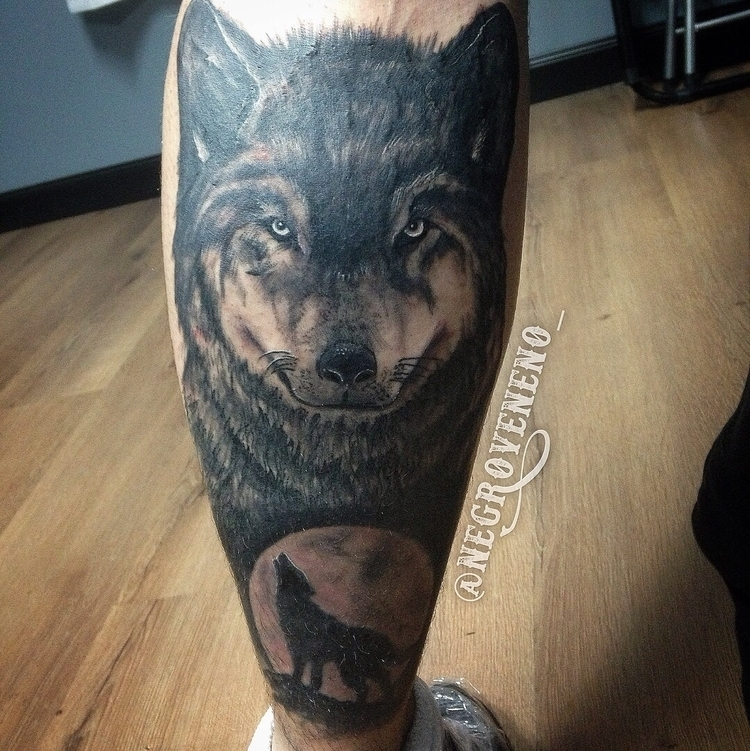 :waning_gibbous_moon::wolf:Lobo - negroveneno_ | ello