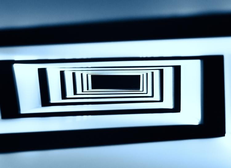 ESCALERA - fotografia, arquitectura - danifm13 | ello