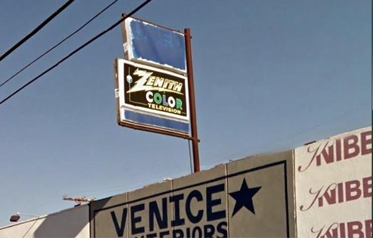 Lincoln Boulevard, Venice, Cali - dispel | ello