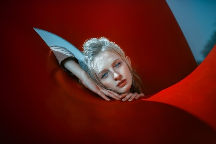 Model_ Emma Hall - rektmag, endlessfaces - f-estival | ello