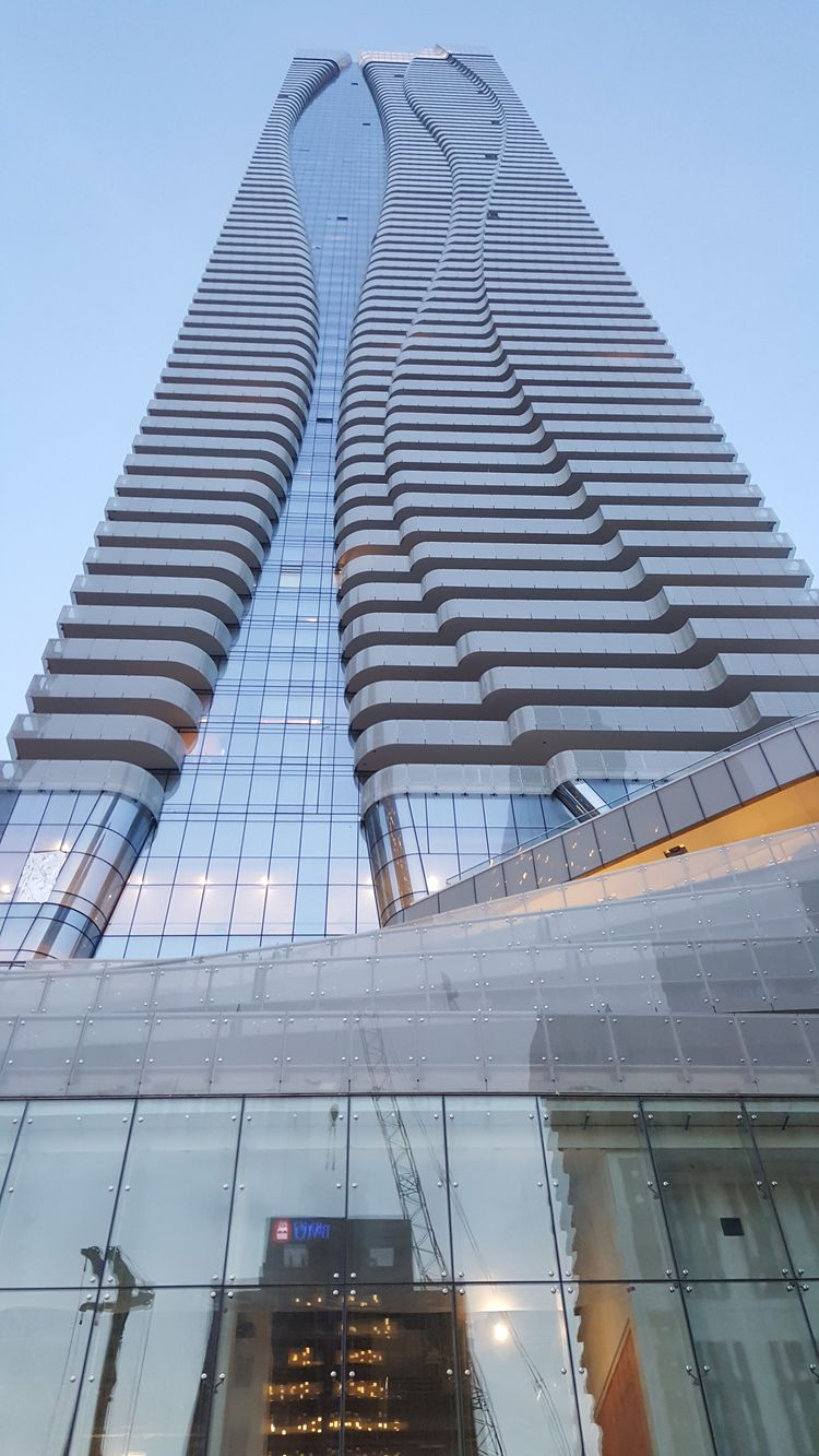 Bloor East, Toronto - urban, hdr - koutayba | ello