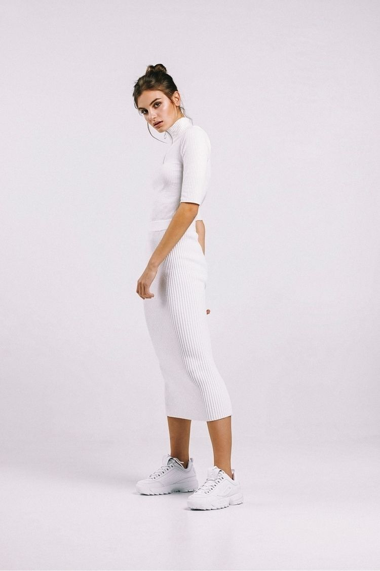 white Laura Uno Models Stylist  - amaliasaez | ello
