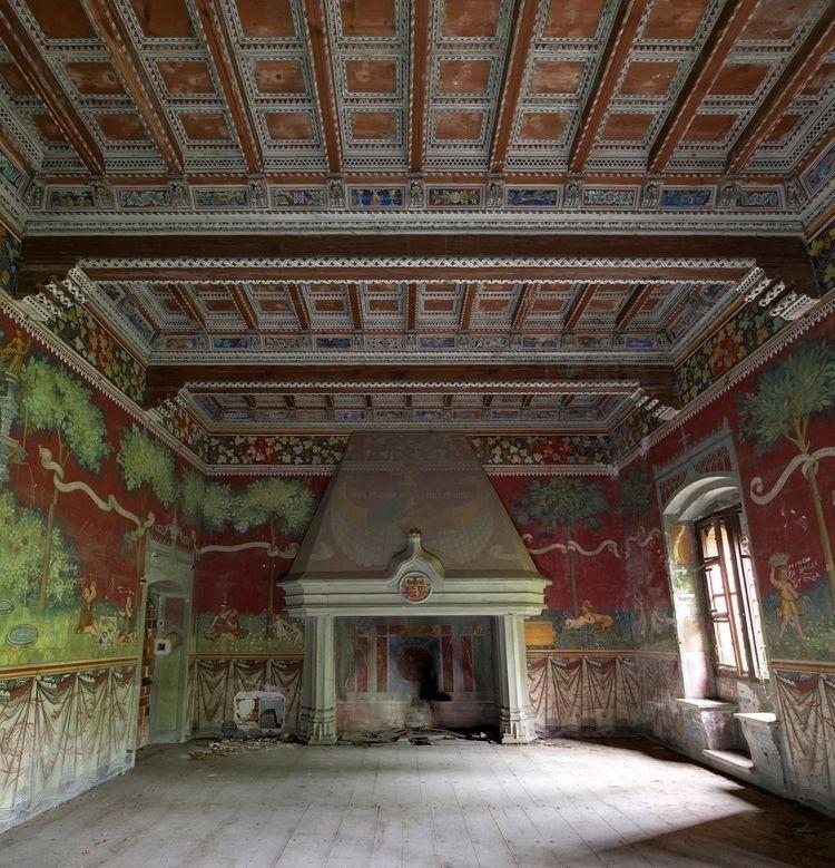 shots show interior impressive  - forgottenheritage | ello