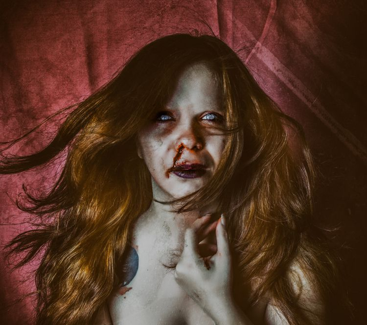 SelfPortrait: died times broken - bibibarcenilla | ello