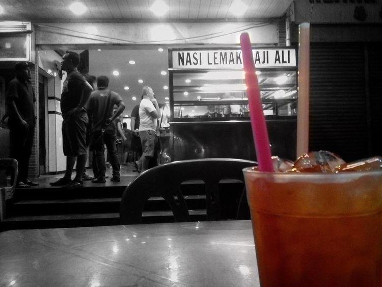 streetphotography, restaurant - farizal | ello