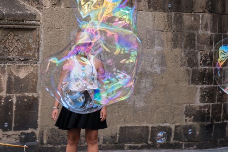 Sortir de sa bulle, Barcelona  - jluko | ello