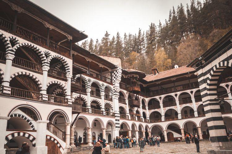 Monasterio de Rila - bulgaria, trip - kevfreefly | ello