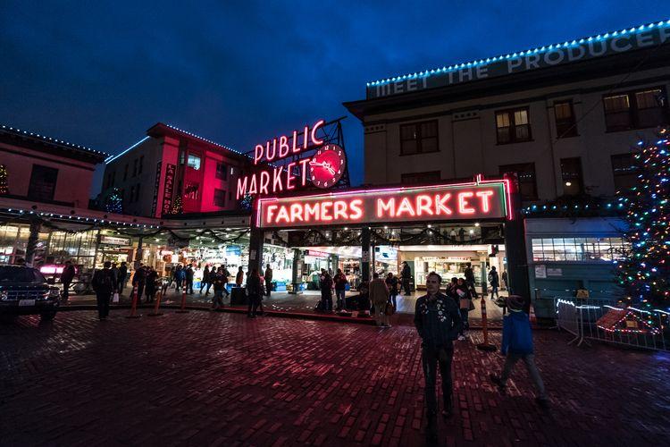 Holiday Pike Place Market - seattlewashington - ericbird | ello