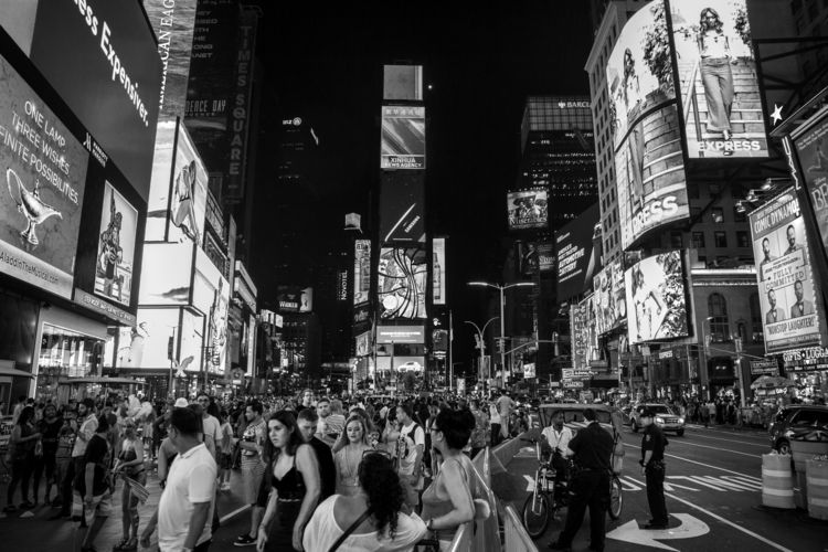 Times Square. photograph middle - vincentwinther | ello