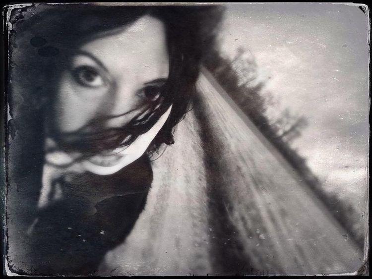 Selfie, TinType - Hipstamatic, blackandwhite - cristinarossi | ello