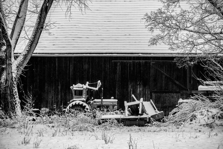 tractor Massey Ferguson - winter - christofkessemeier | ello