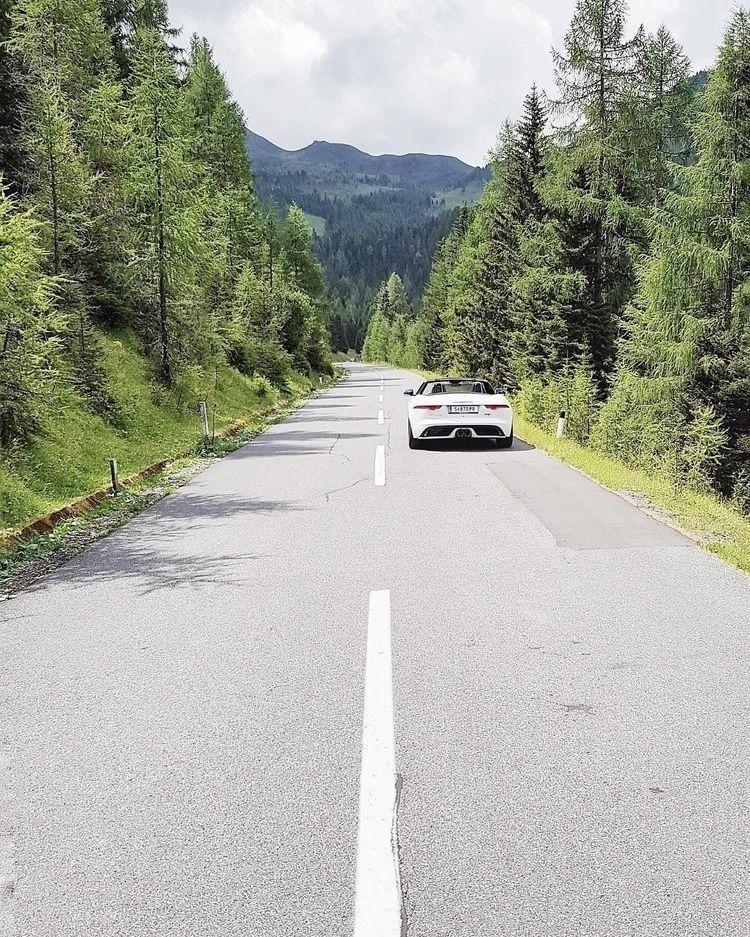 ready hop - edition - Jaguar, FPace - teufelchristoph | ello