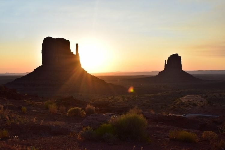 light Monument Valley - ran sid - alberrrt | ello