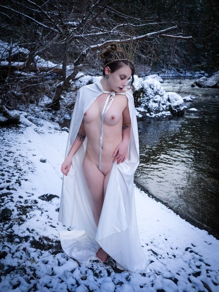 live snow Special minute shoot  - darkenergyphotography | ello