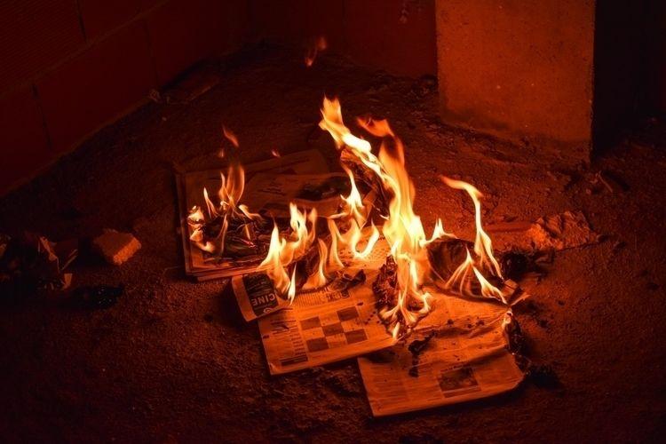 Fire progress - fire, photo, day - ikerato | ello