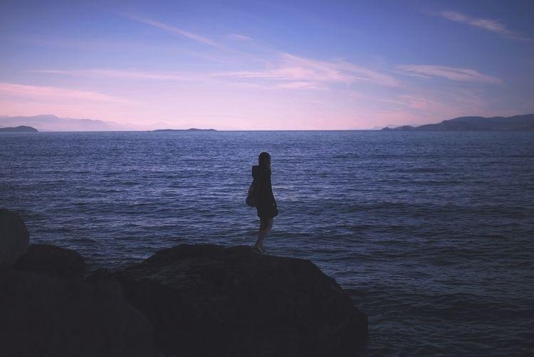 waves lost trace - Selfportrait - foteinizaglara | ello