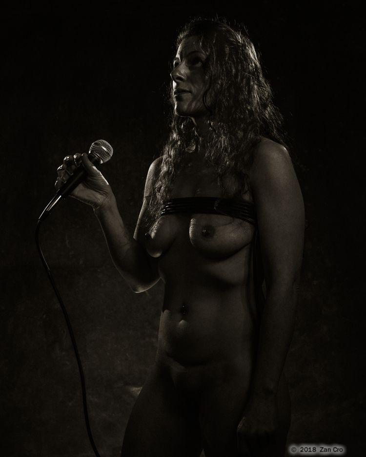 Sing Sister. 2018 - artmodel, artphotography - zancro | ello