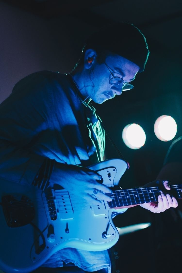 Soaked blues - guitar, lighting - hamishgrahamphoto | ello