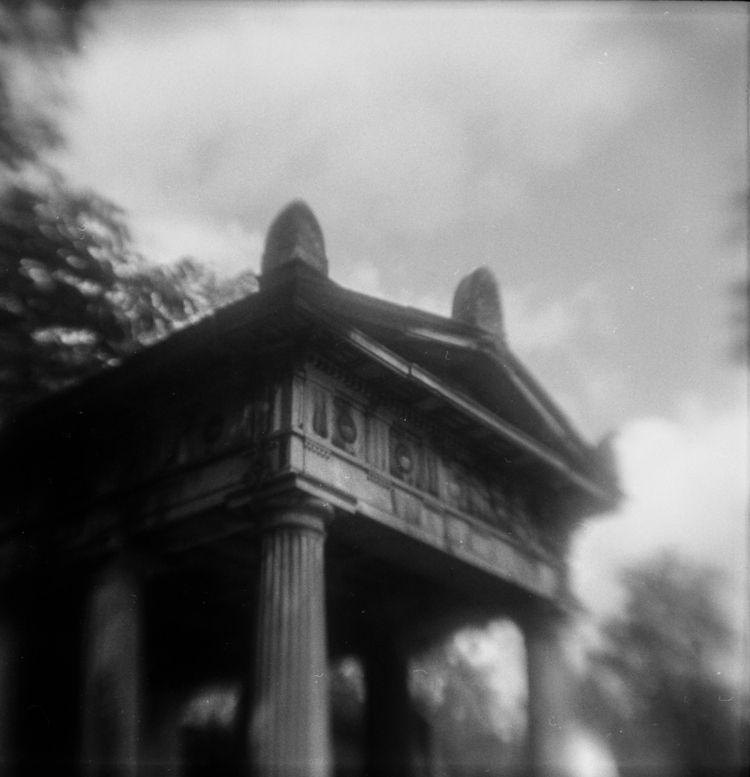 // house dead - filmphotography - martinakettner | ello