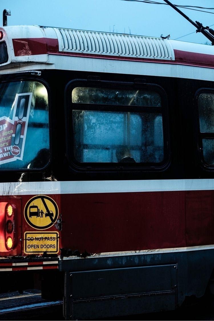 Rocket man - toronto, streetphotography - die_hofer | ello
