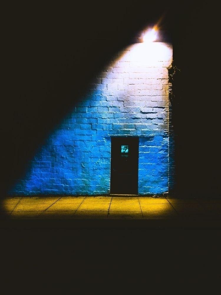 Enter - streetphotography, lightroom - interlocuter_rex | ello