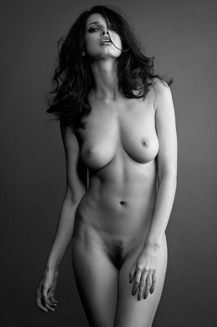 Tasteful nude brunettes