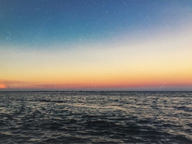 Give Dreams - beach, sunset, vsco - lenielrose | ello