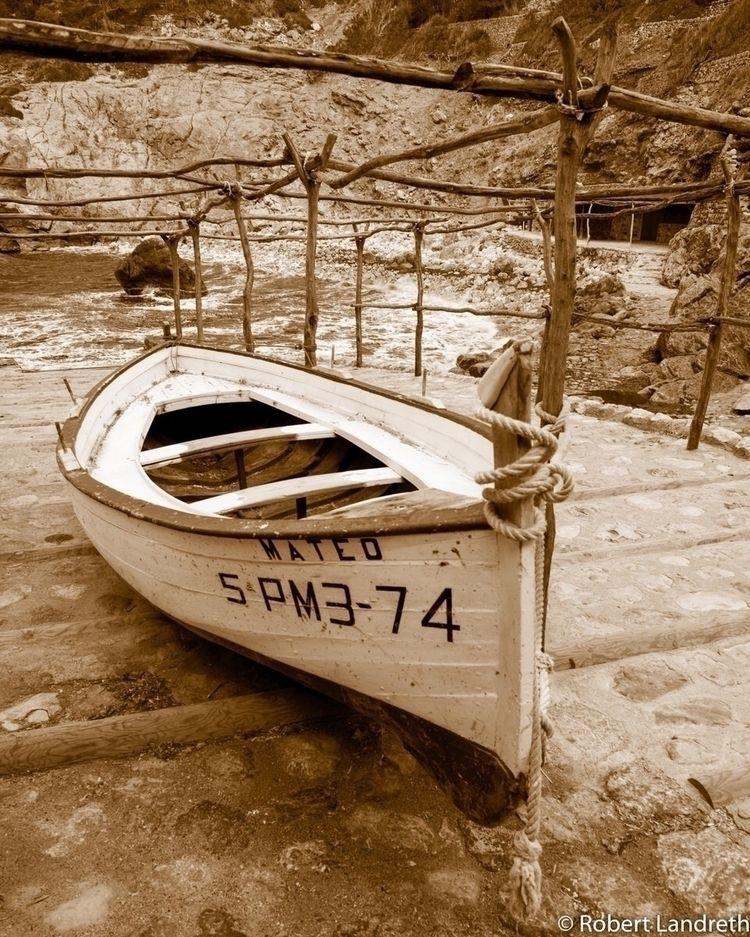 Cala Deya - llaut_mallorquin, old_fishing_boat - robertjlandreth | ello