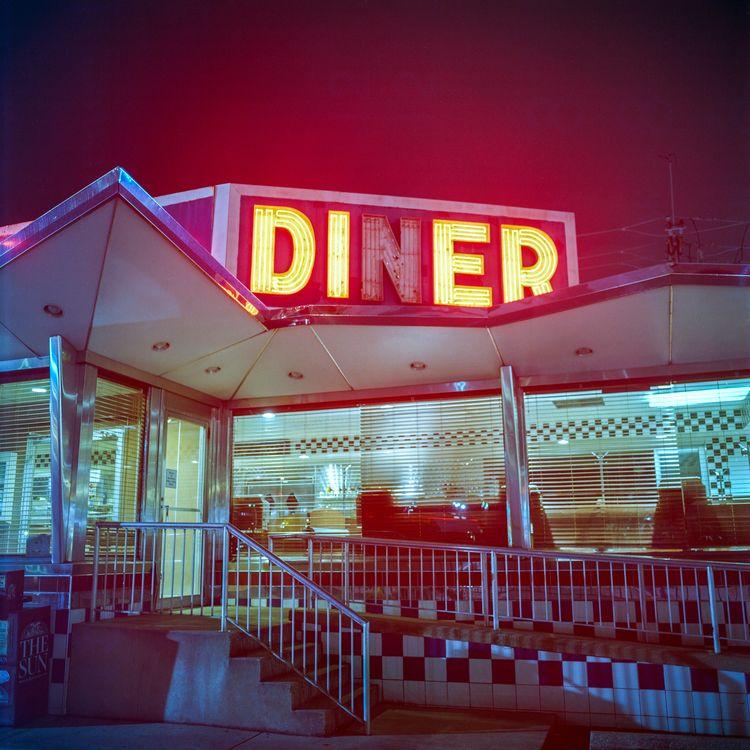Bel Loc Diner --- Mamiya C330 K - danielregner   ello