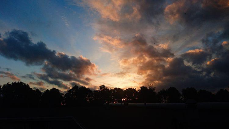 sky, clouds - themoonlitroad | ello