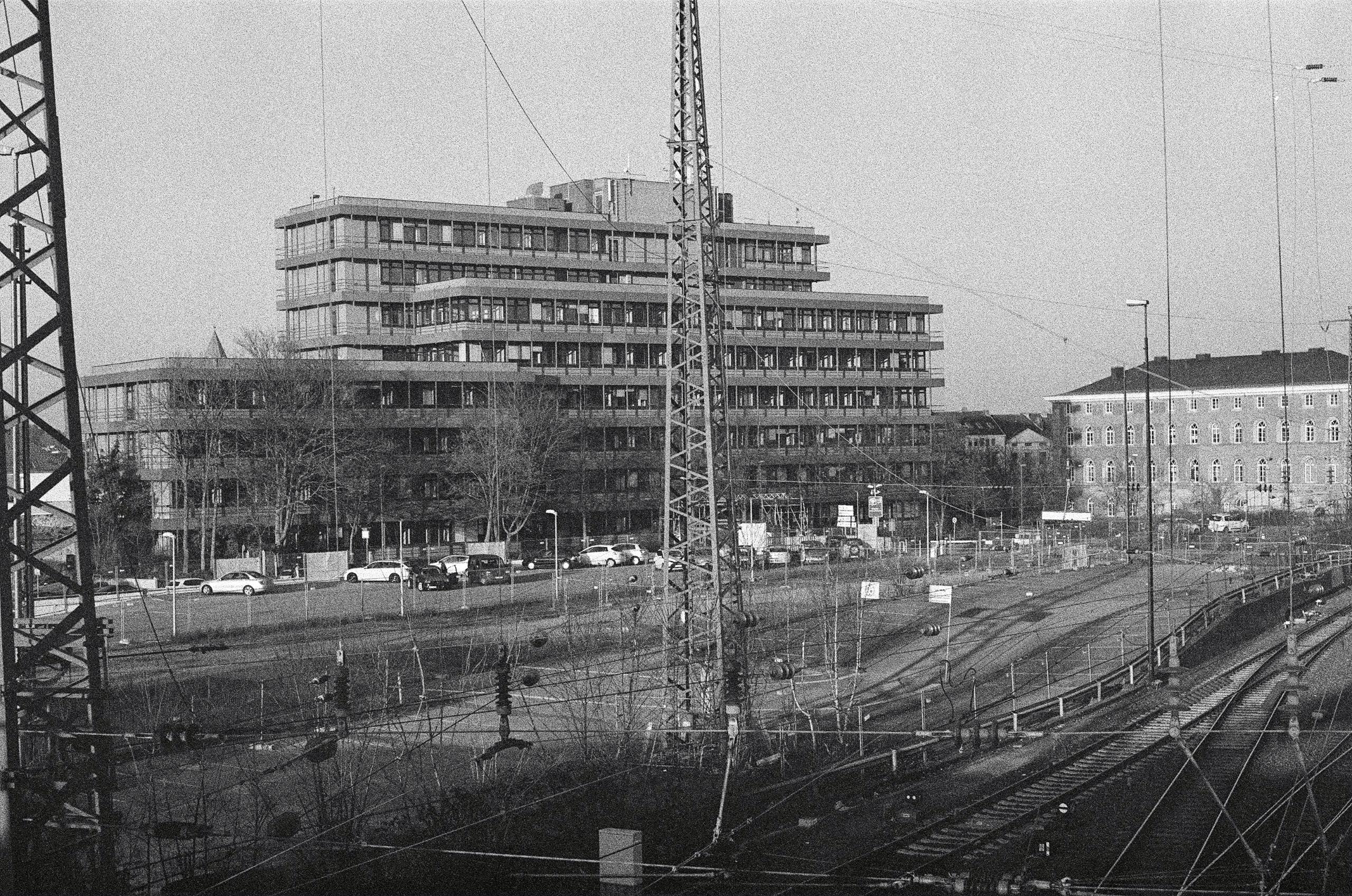 Verwaltungsgebäude Lagerhausstr - walter_ac | ello