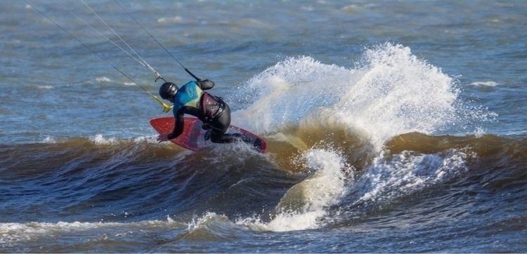 Lip' Post kitesurfing images ta - ellokitesurfers | ello