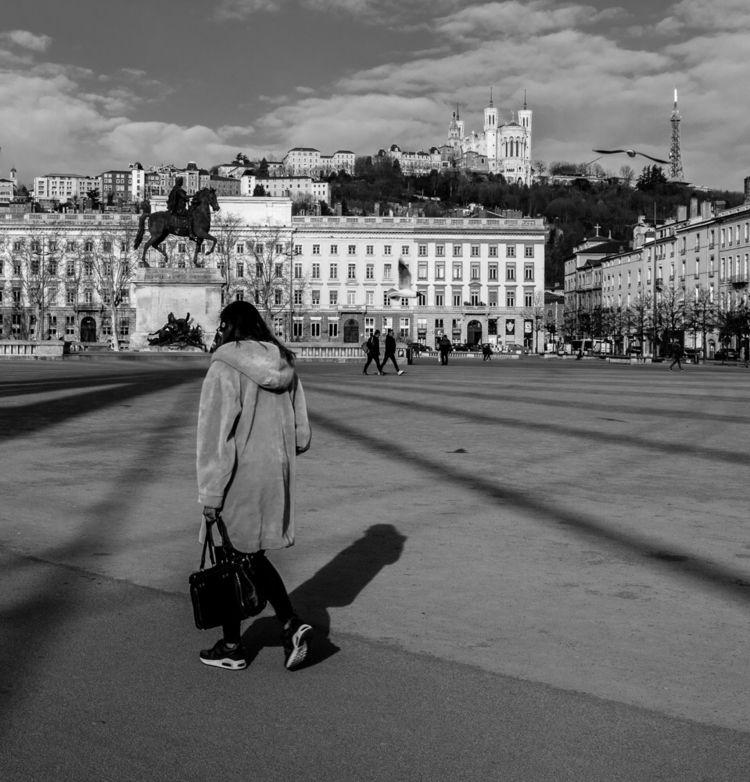 Place Bellecour de - Lyon., travelnow - perasconmanzanas | ello