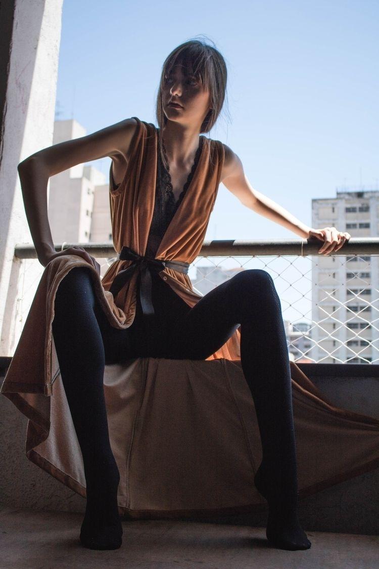 PARADOXE Model: Isadora Mafiole - pedro_vox | ello